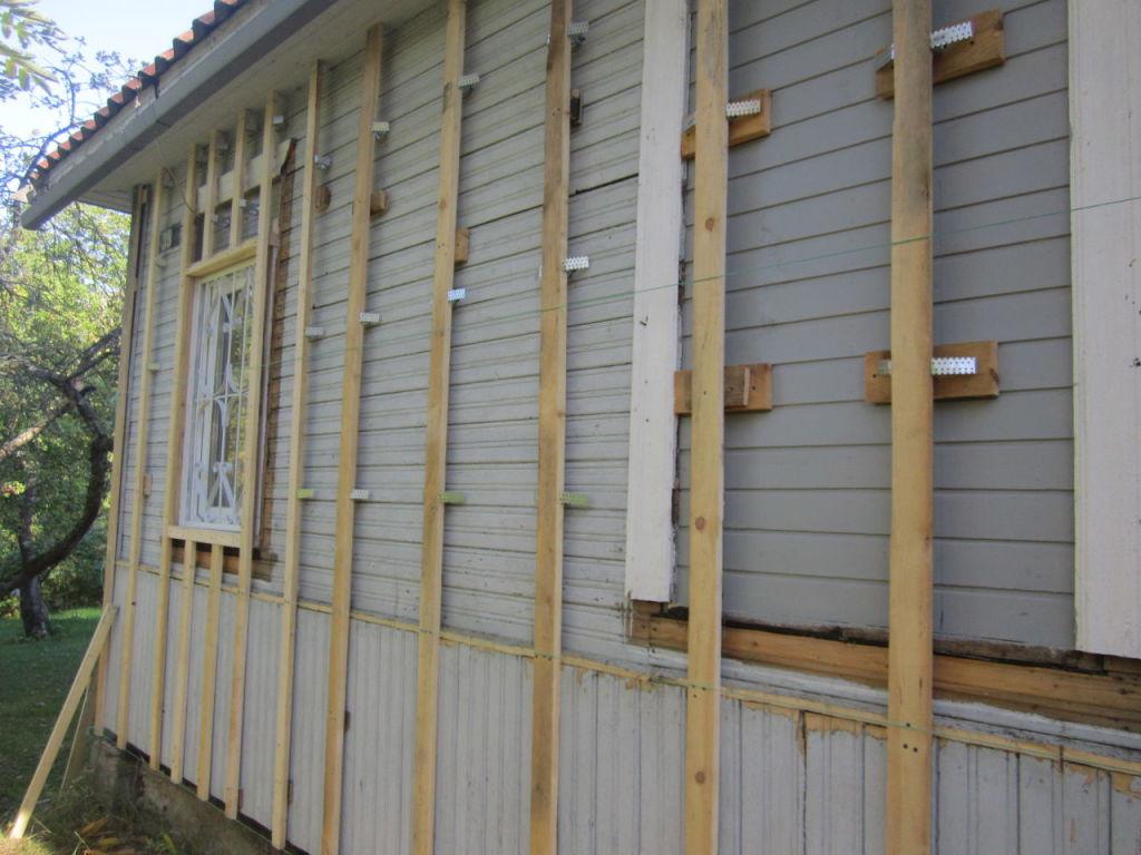 монтаж сайдингом деревянного дома своими руками